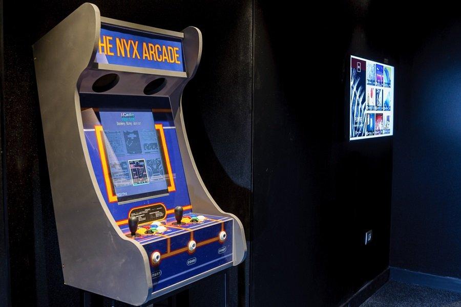 מכונת משחק רטרו