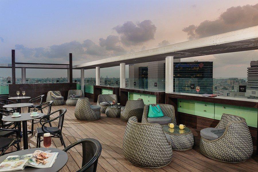 בר על גג המלון